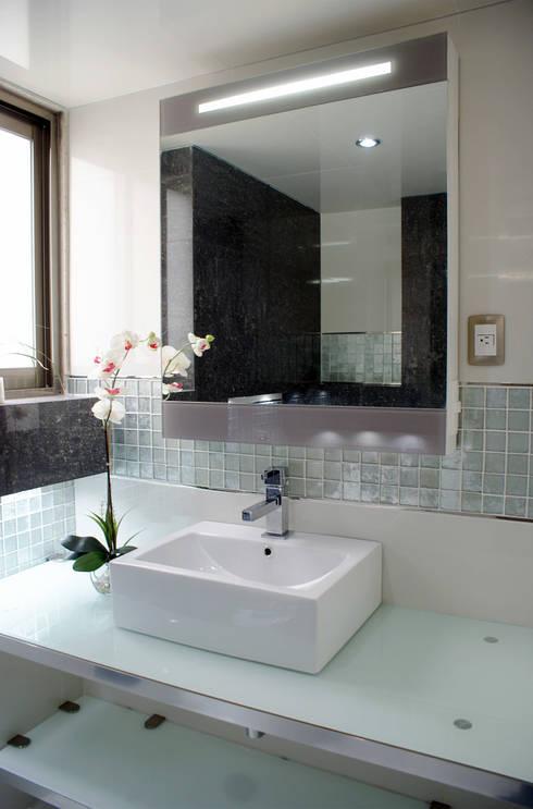Baños: Baños de estilo  por Amarillo Interiorismo