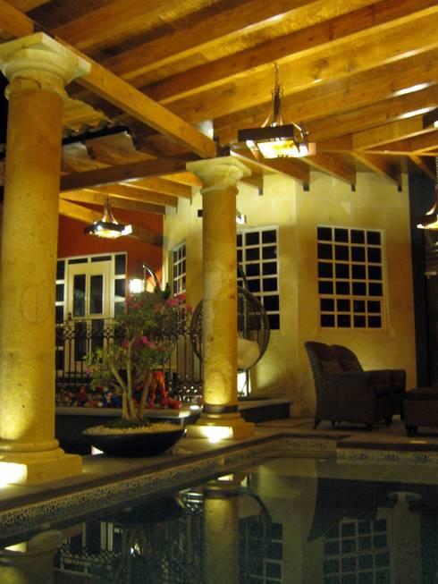Remodelación, ampliación Casa AL: Albercas de estilo ecléctico por ipalma arquitectos