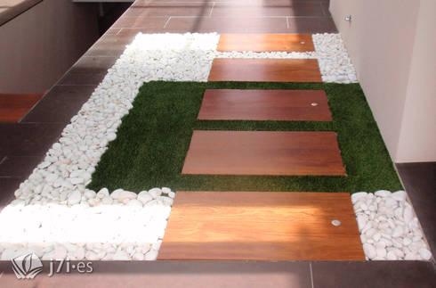 14 detalles para un jardín desde el interior: Pasillos y vestíbulos de estilo  de Jardineria 7 islas
