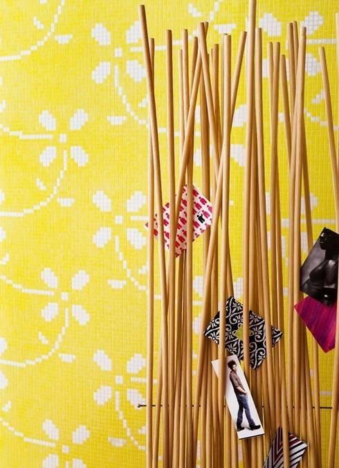 Individuelles Mosaikmuster in der Trendfarbe Gelb:  Wände von trend group