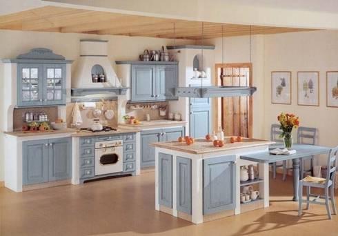 Italienische landhausküche modifica · cucina in stile in stile country di küchenstudio golla gmbh