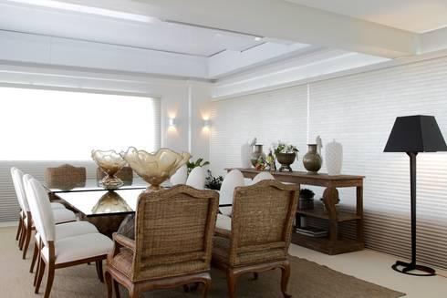 Cobertura Parque Areião: Salas de jantar ecléticas por Ana Paula e Sanderson Arquitetura