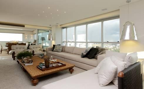 Cobertura Parque Areião: Salas de estar modernas por Ana Paula e Sanderson Arquitetura