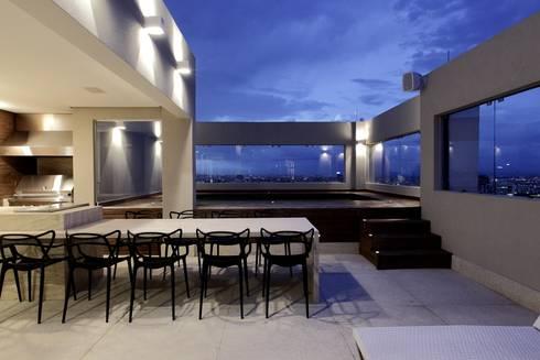 Cobertura Parque Areião: Piscinas modernas por Ana Paula e Sanderson Arquitetura