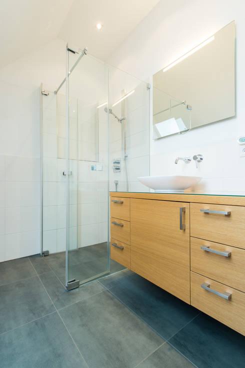 Projekty,  Łazienka zaprojektowane przez herbertarchitekten Partnerschaft mbB