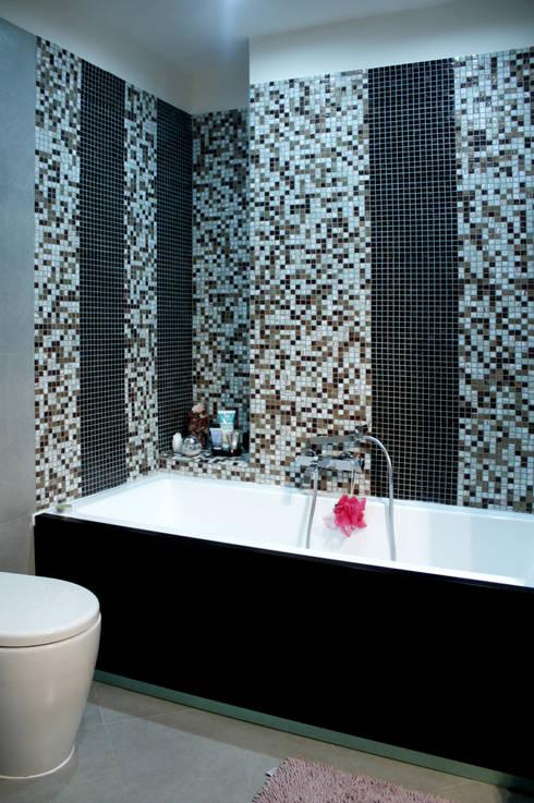vasca da bagno: Bagno in stile  di MedomStudio