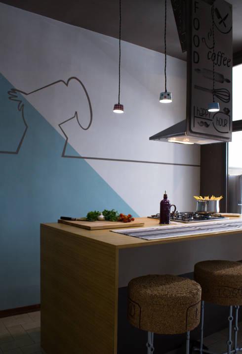 cucina a isola : Cucina in stile in stile Moderno di IEP! Design