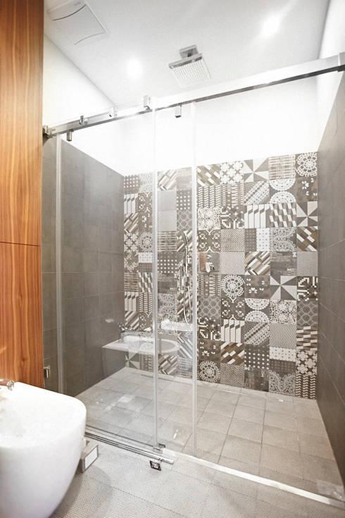Baños de estilo  por Pracownia Projektowa Hanna Kłyk