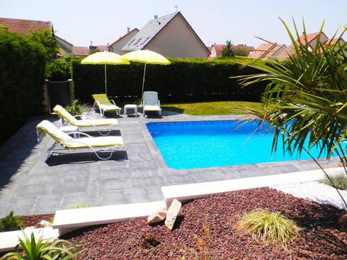 Terrasse et aménagement piscine par AD2   homify