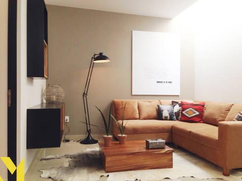 Casa Prato: Salas de estilo moderno por MM estudio interior