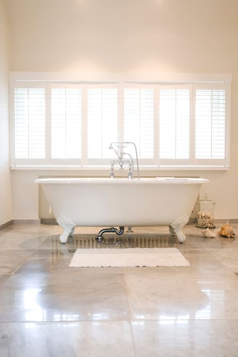 classic Bathroom by Taps&Baths