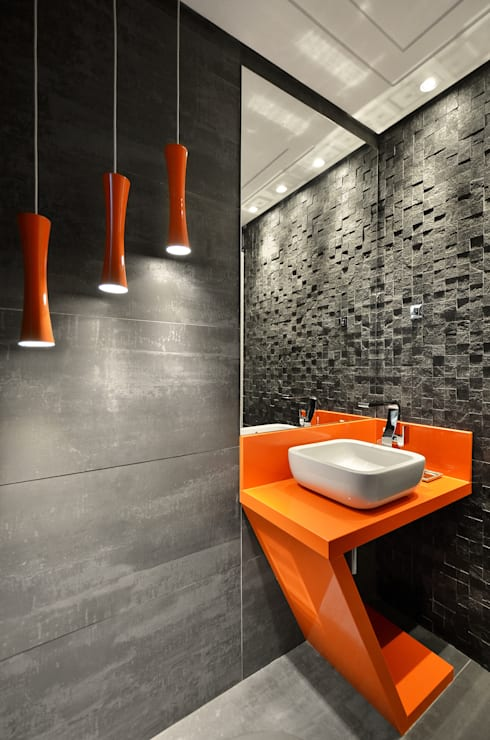 Casa Contemporânea: Banheiros modernos por Johnny Thomsen Design de Interiores