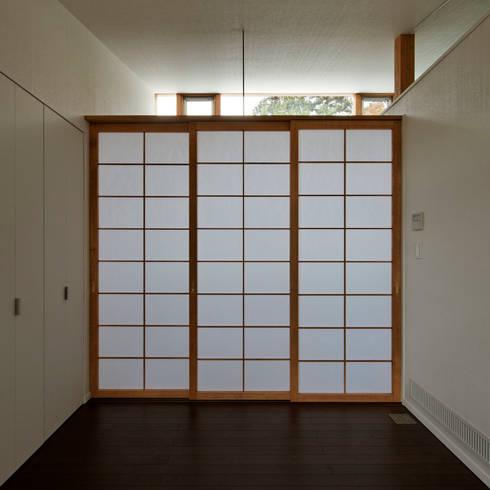 親世帯: 清正崇建築設計スタジオが手掛けた書斎です。
