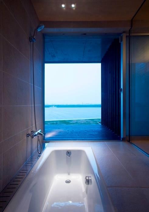 wada house: 髙岡建築研究室が手掛けた浴室です。