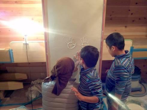 改修の記念に: 総合建築植田が手掛けた子供部屋です。