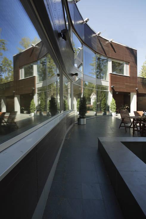 Бумеранг:  в . Автор – Ai-architects