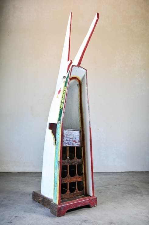 Recycled / WINE BOAT: Гостиная в . Автор – WOODSTONEBALI