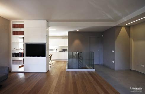Casa in bifamiliare di luca mancini architetto homify for Idee architettura interni