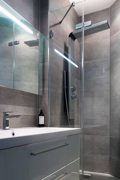 Salle de bains: Salle de bains de style  par EK Architecte