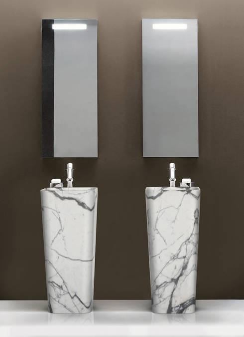 CONO high | ENTITY BATHROOM COLLECTION: Bagno in stile  di Marmi Serafini