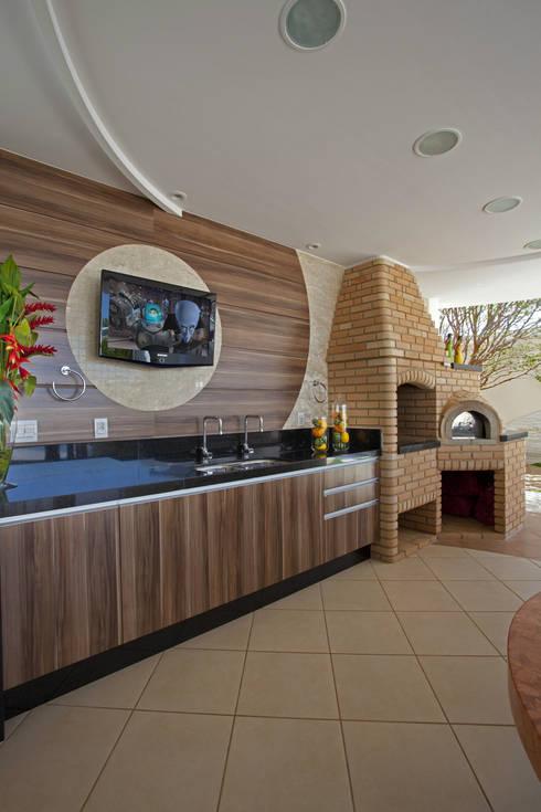 Casas de estilo moderno por Arquiteto Aquiles Nícolas Kílaris