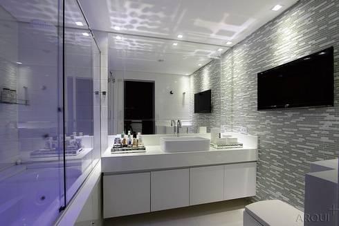 BANHEIRO DO CASAL : Banheiros minimalistas por Tony Jordão arquitetura e interiores
