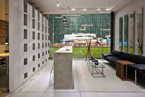 Blum showroom: Salas de estilo moderno por Taller David Dana