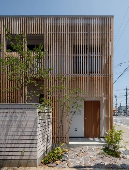 大浜の家: ㈲矢田義典建築設計事務所が手掛けた家です。