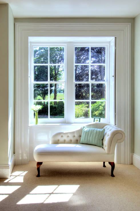 Bossington House, Adisham Kent:  Living room by Lee Evans Partnership