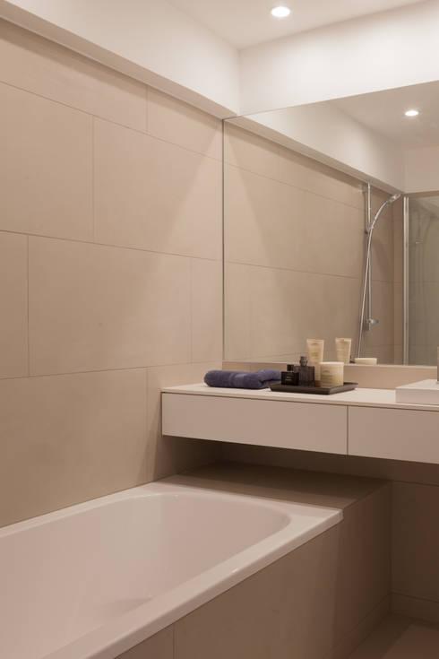 Projekty,  Łazienka zaprojektowane przez JUMA architects