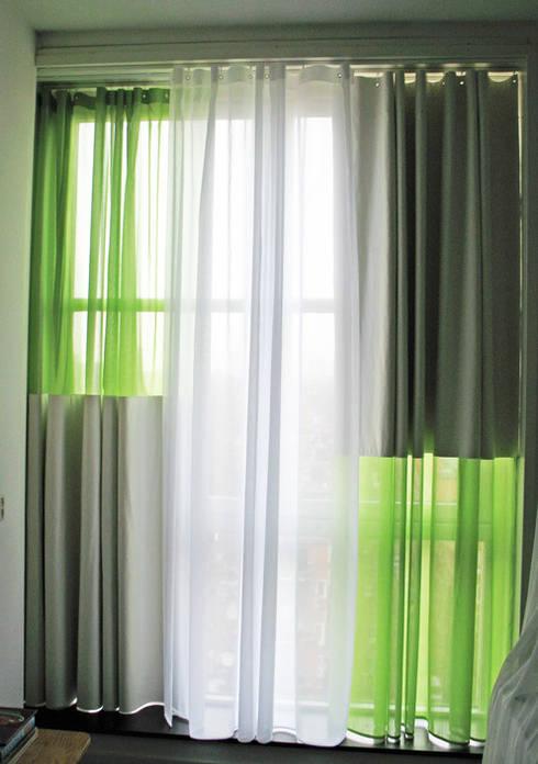 'Drie lagen gordijn' by Kimik Design:  Woonkamer door kimik design