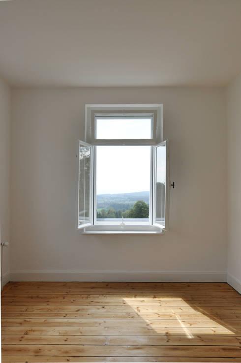 Fenster mit Aussicht:  Fenster von Mader Marti Architektur ETH SIA