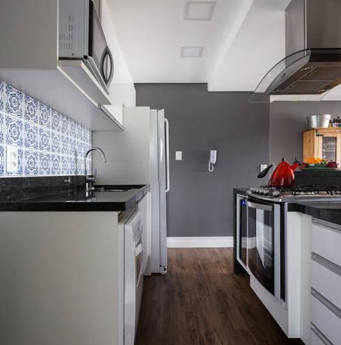 Cozinha: Cozinhas modernas por Juliana Damasio Arquitetura