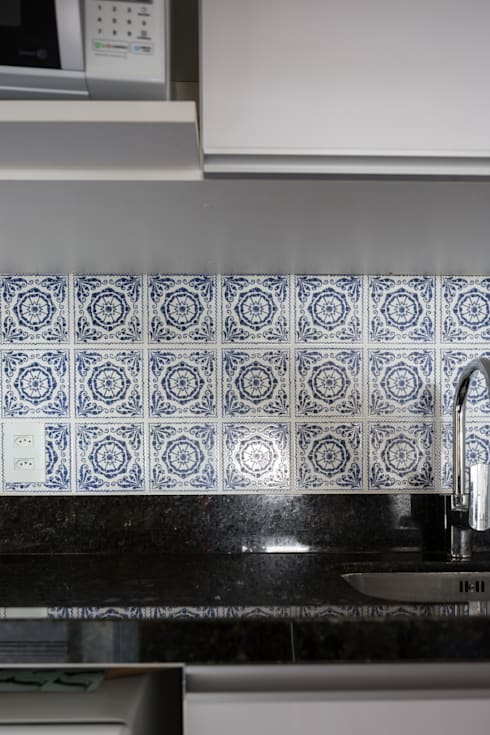 Azulejo Português: Cozinha  por Juliana Damasio Arquitetura