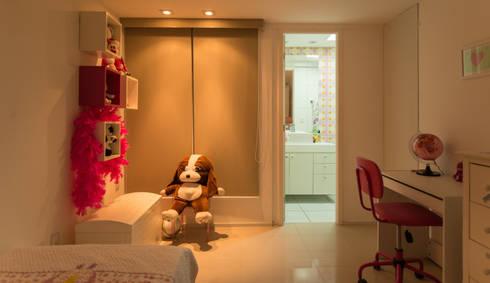 Apartamento Neutro: Quarto infantil  por Lina Eleutério Arquitetura