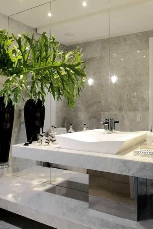 LAVABO: Banheiros  por ROMERO DUARTE & ARQUITETOS