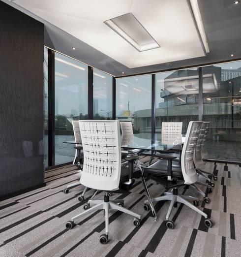 Torre Helicon : Edificios de Oficinas de estilo  por UNUO Interiorismo