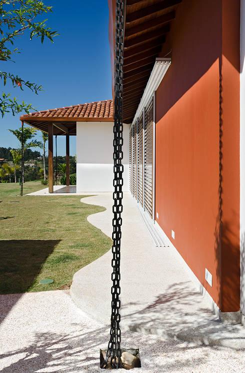 Casa Manacás: Casas modernas por NOMA ESTUDIO