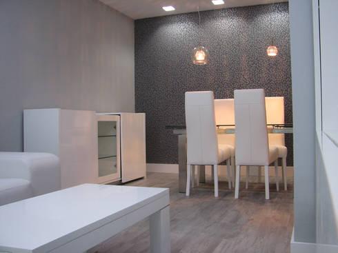 Salones con papel pintado de AZD Diseño Interior | homify