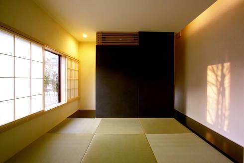 遊び心としての離れ: 一級建築士事務所A-SA工房が手掛けた和室です。
