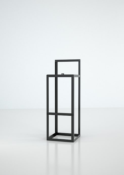 Arial Stool Black Edition: Casa in stile  di DORODESIGN