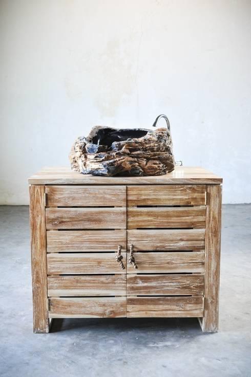 minimalis / VANITY: Ванная комната в . Автор – WOODSTONEBALI