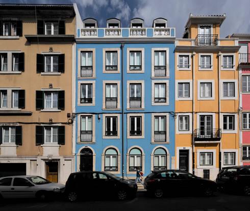 Apartamento na Lapa: Casas modernas por RRJ Arquitectos