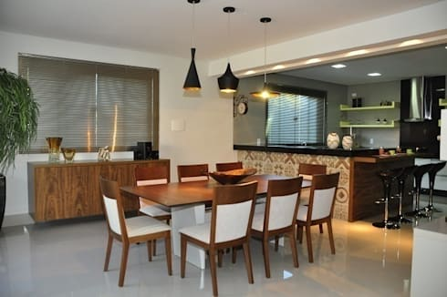Cozinha - residência em Águas Formosas: Cozinhas modernas por Lívia Bonfim Designer de Interiores