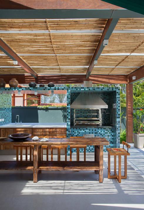 Terrazas de estilo  por Estúdio Barino | Interiores