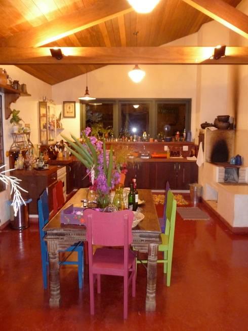 Cozinha e copa: Cozinha  por Ronald Ingber Arquitetura