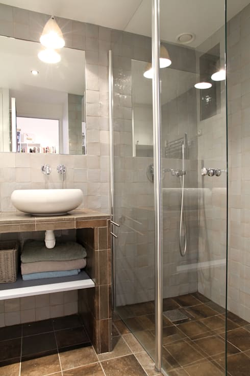 modern Bathroom by MSD architecte d'intérieur