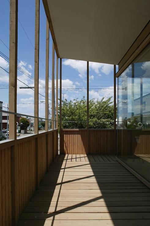 2階バルコニー1: キタウラ設計室が手掛けたベランダです。