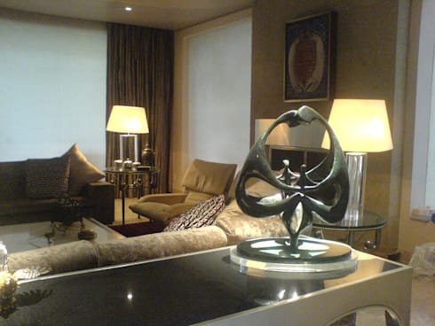 Residencia Bosque de Olivos: Salas de estilo moderno por Iluminarq