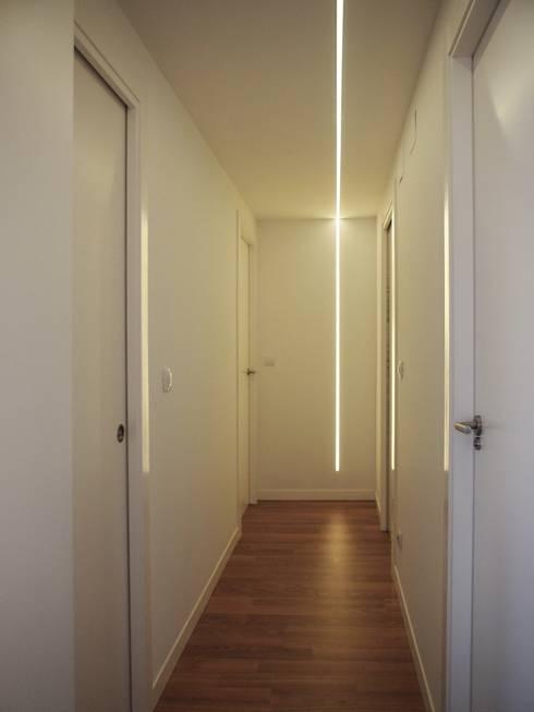 pasillo despues:  de estilo  de cota-zero, tenica y construcción integrada, s.l.